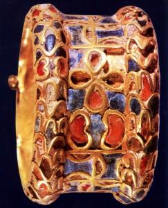 bijous egyptien serti