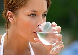 boire un verre d'eau 3