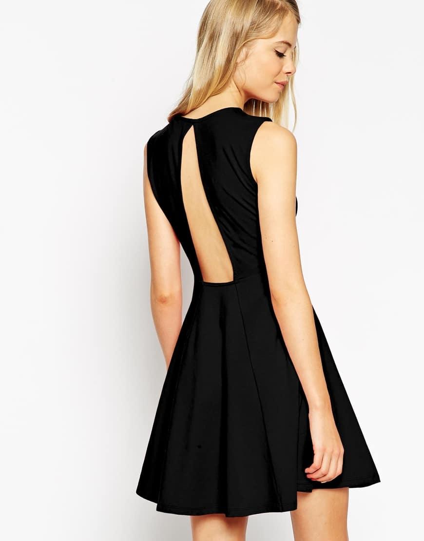bc21118004d Comment accesoiriser et porter une robe noire pour être resplendissante. )